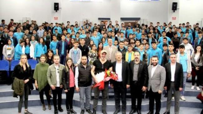 Sermiyan Midyat, MTOSB'de  öğrencilerle bir araya geldi
