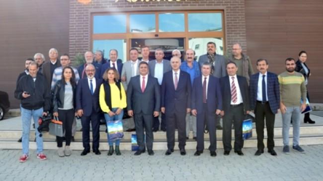 Mersin Üniversitesi Rektörü Prof. Dr. Ahmet Çamsarı Yerel Medya Mensuplarıyla Bir Araya Geldi