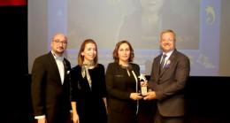 MTOSB'nin kadın sanayicisine 'Rotary Meslek Hizmet Ödülü'