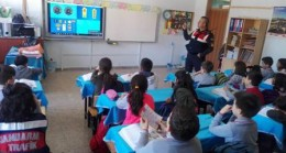 Jandarma'dan Öğrencilere Seminer