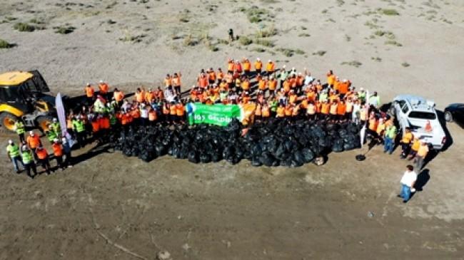 Dünya Temizlik Günü'nde Sahilden Kamyonlar Dolusu Çöp Çıktı